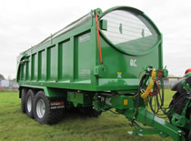 Larrington Tri-Axle-Majestic Trailer